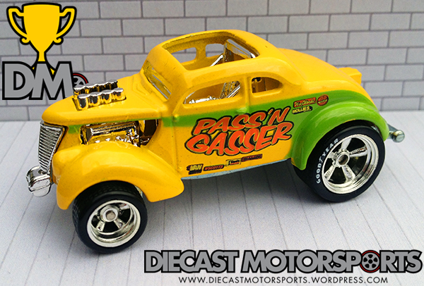 Passn Gasser - 10 HW Garage 30 Car Set copy